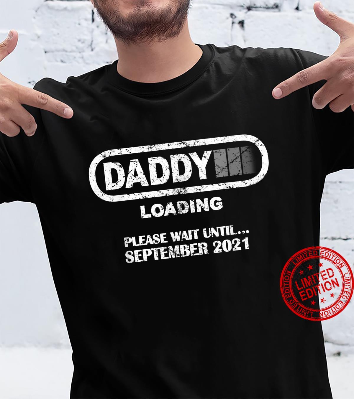 Herren Daddy To Be September 2021 New Dad Loading Vintage Shirt